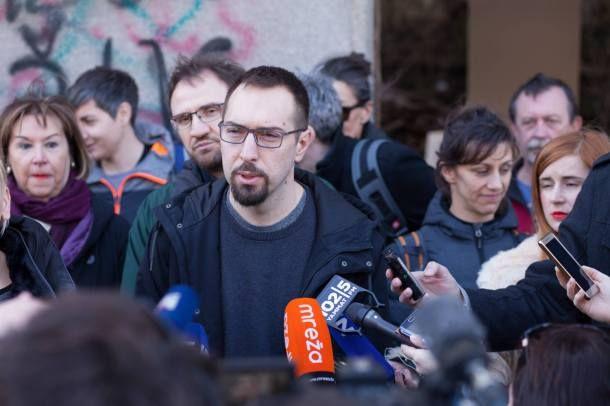 Tris Portal Sibenik Zagreb Je Nas Zagreb Je Nas I Nije Na Prodaju Zagreb Sibenik John
