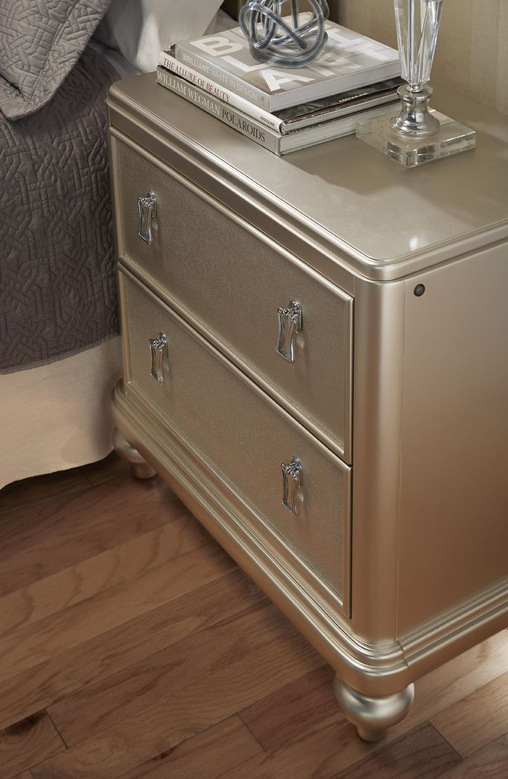 The Diva Nightstand Has A Felt Lined Top Drawer And Even A Cedar Lined Bottom Drawer Plus The Lighted Night Diva Bedroom Set Champagne Bedroom Diva Bedroom