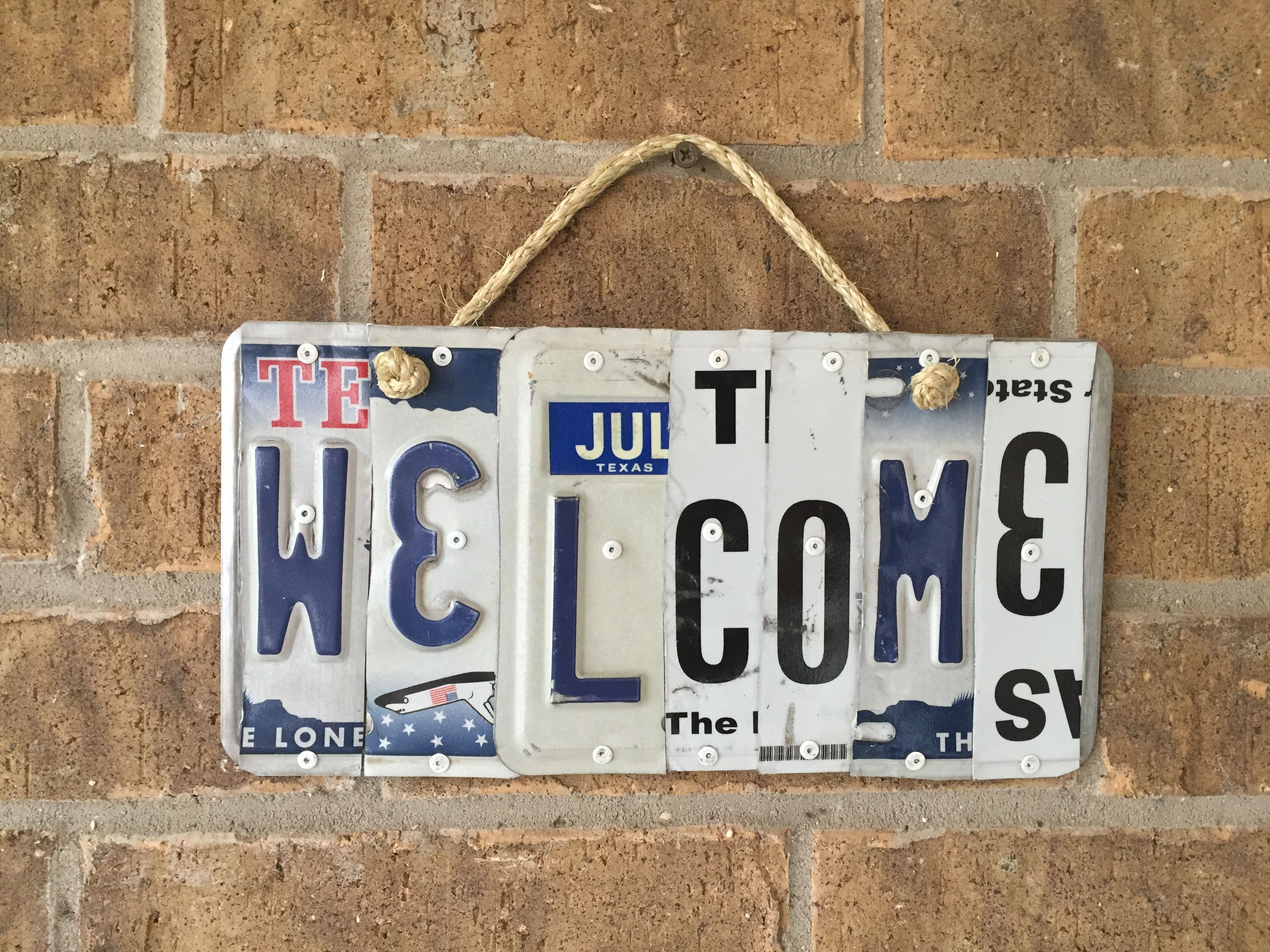 welcome sign made from texas license plates unique gifts by rjs rh pinterest com