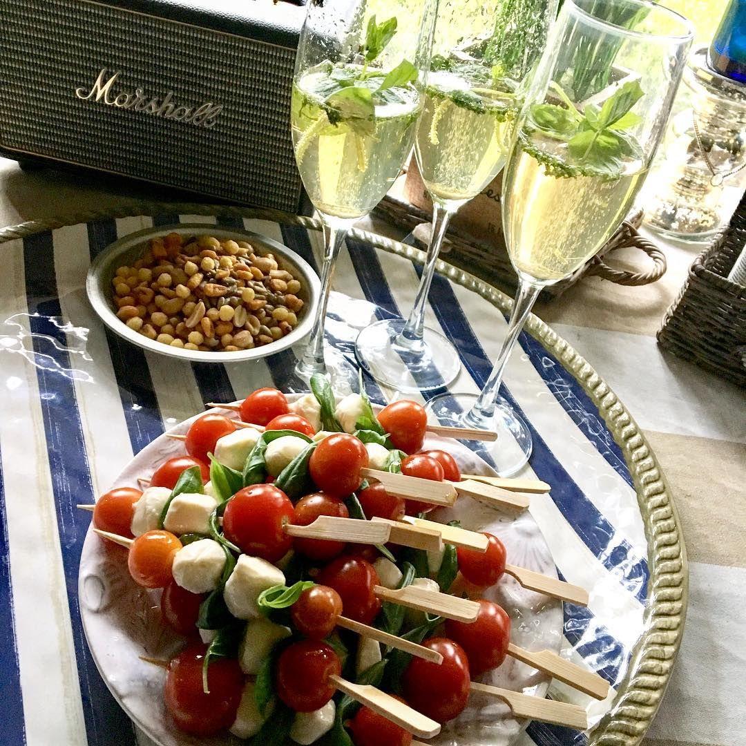 """Nanna Tuomisto 💁✨ on Instagram: """"Some appetizer bites and welcoming drinks 😛 Alkupaloja ja tervetuliais-maljat ~~~~~~~~~~~~~~~~~~~~~~~~~~~~~~~~~~ #cabinlife #mökkielämää…"""""""