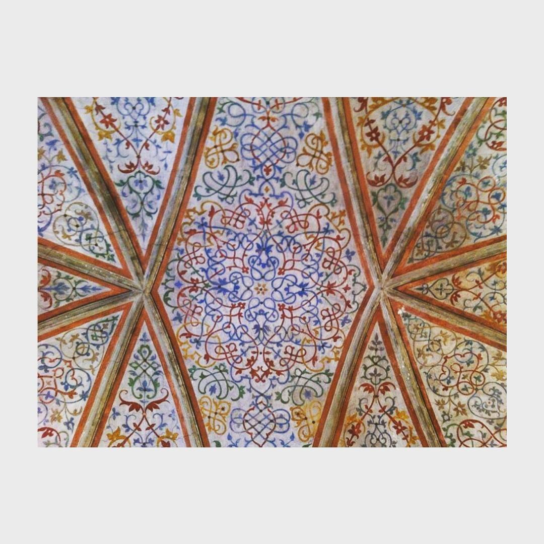 Sala dei ritratti #vignadiLeonardo #casaatellani #Portaluppi #BernardinoLuini #ceiling #floreal #Milano #Milanodavedere #igersmilano #vscocam by _lechatnoir