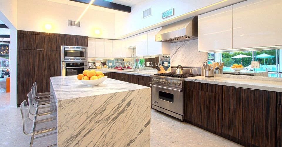 Gourmet Kitchen Viking Range Bosch Ovens Marble Counters