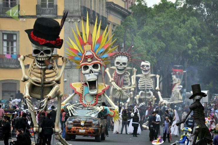 Dia De Los Meurtos Day Of The Dead Festival In Mexico Day Of The Dead Mexican Art Mexico Day Of The Dead
