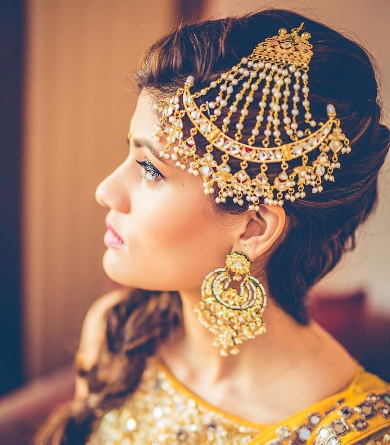 Quirky Wedding Hairstyle: Ditch The Regular Jewellery & Try The New Offbeat Bridal