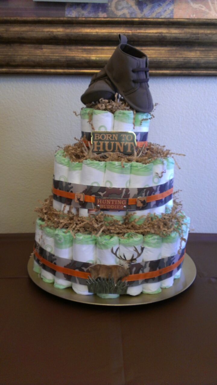 camoflage diaper cake made a camo diaper cake for baby shower rh pinterest com