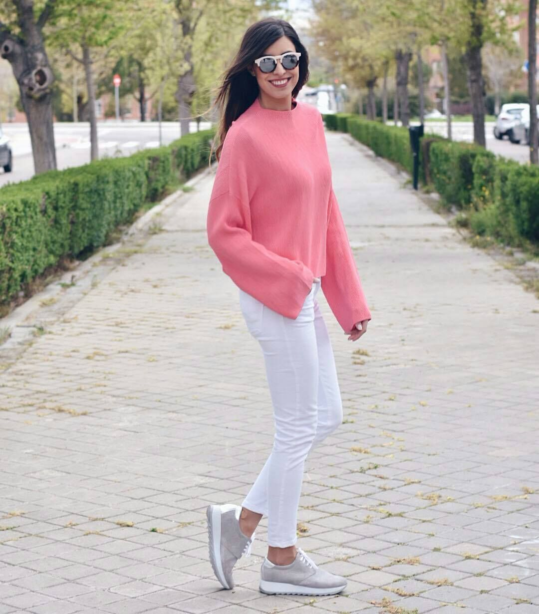 La #blogger Claudia Peris con #sneakers metalizados #LinceShoes