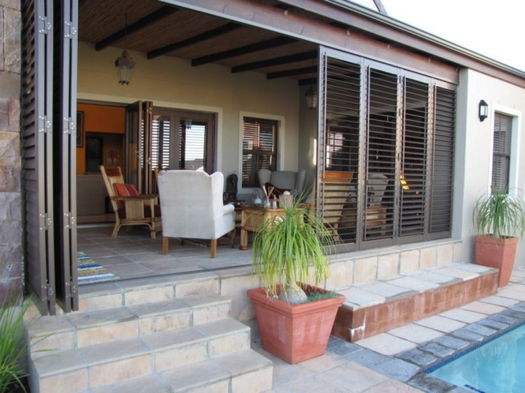 enclosed porch designs - Google Search | Covered patio ...