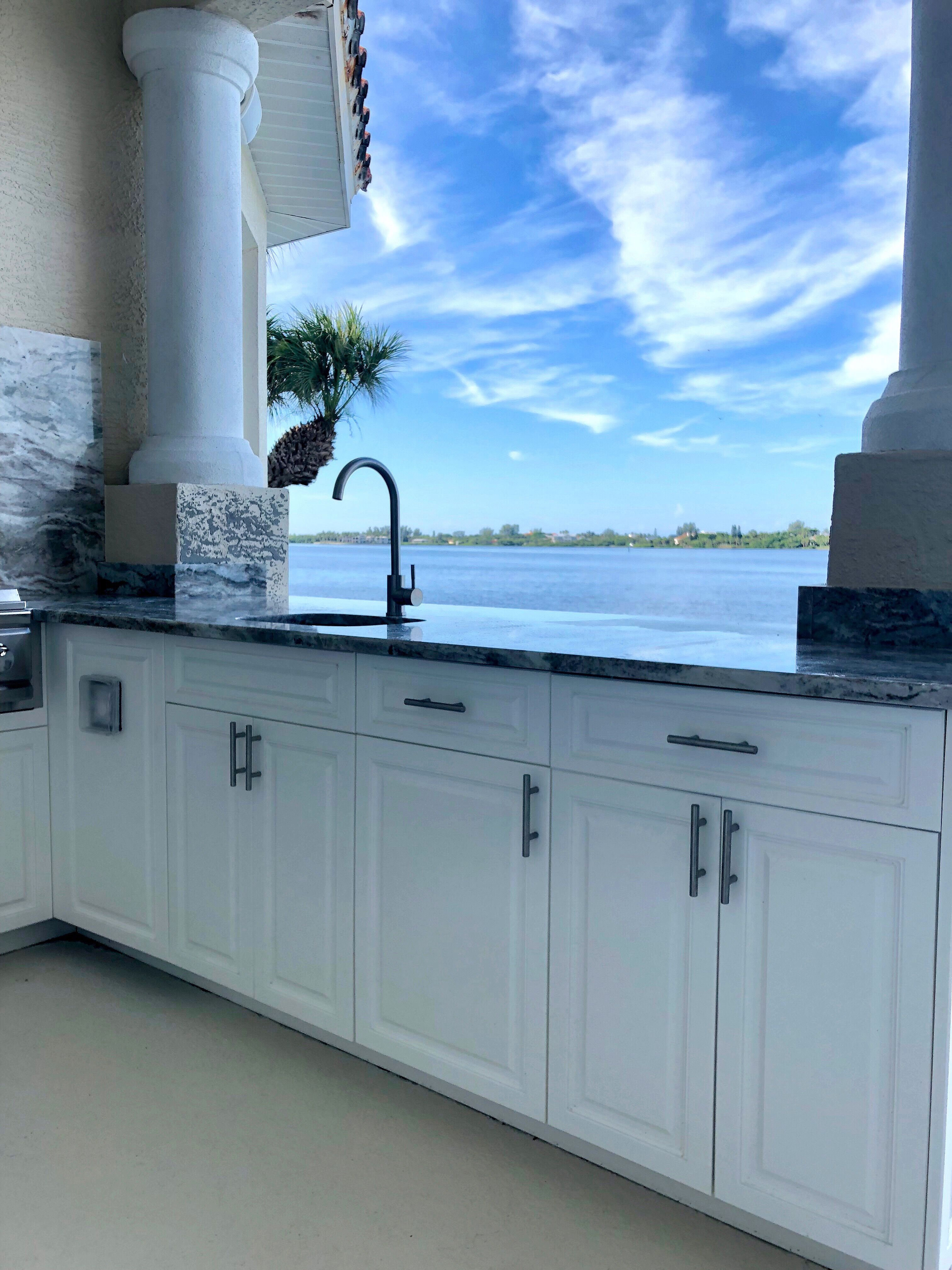 gorgeous florida waterfront odk bbq with a view outdoor kitchens rh pinterest com