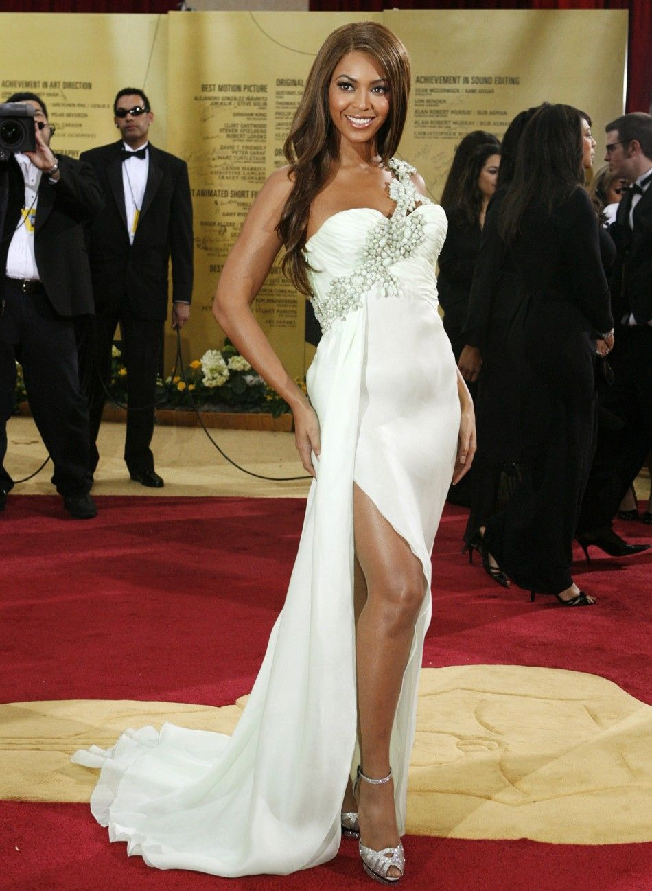 Oscar Awards Red Carpet Hottest Outfits In The Last Decade Dressed To Kill Photos Beyonce Dress Dresses Nice Dresses [ 1298 x 950 Pixel ]