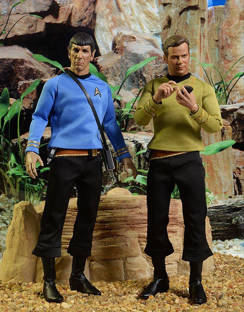 Qmx Star Trek Kirk, Spock sixth scale figures