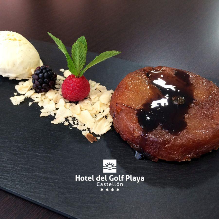 #Tatin de manzana con helado de vainilla. Menú de las VII Jornadas de la galera del Grau. Reservas 📞 964 280 180 - 644 42 18 29 📧 eventos@hoteldelgolfplaya.com #hoteldelgolfplaya #gastronomía #galeras #Grau