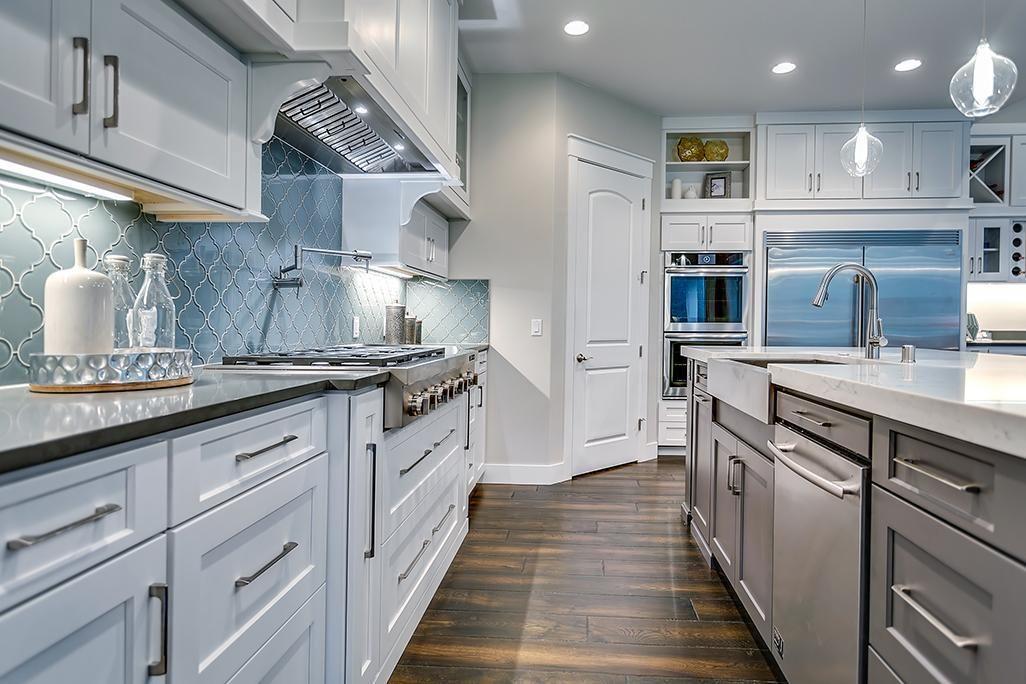 glazzio tile backsplash white kitchen gorgeous kitchens in 2019 rh pinterest com