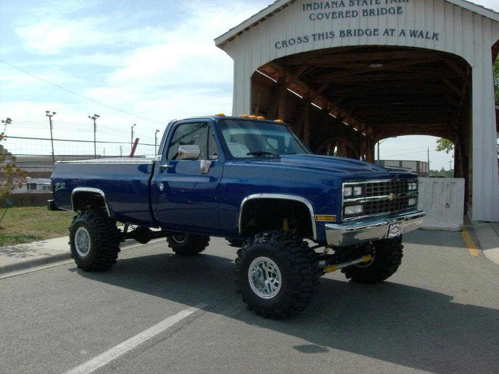 Pin By Kenzie Hullett On Big Trucks Jacked Up Trucks Trucks Gmc Trucks