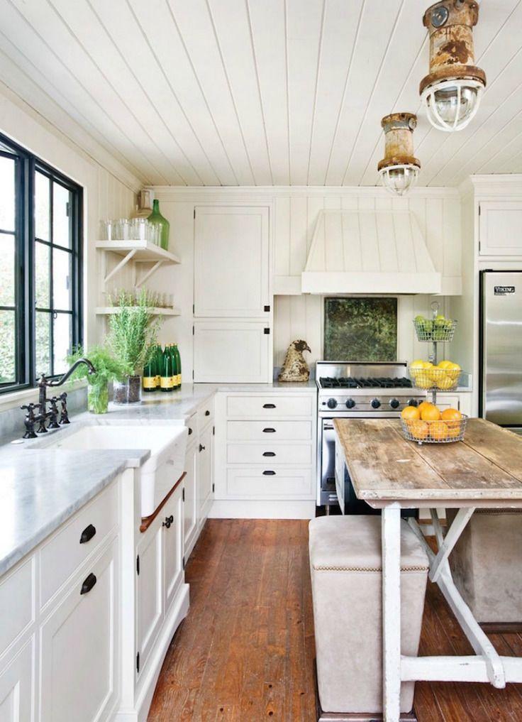 30 Awesome Beach Style Kitchen Design White