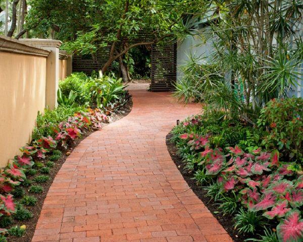 8 Ideas De Senderos Con Ladrillos Para El Jardin Senderos De Jardin Pavimentacion De Jardin Jardines