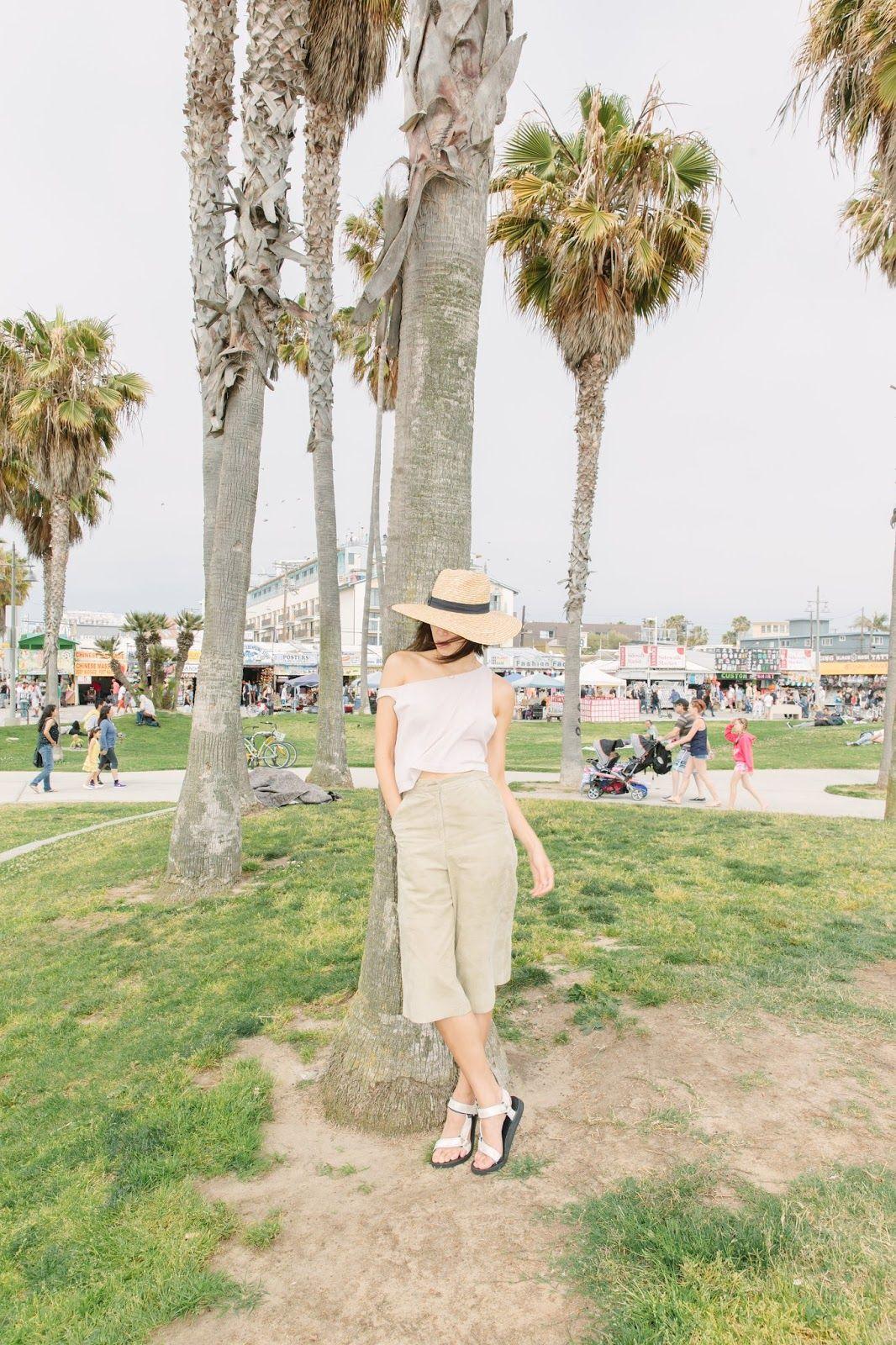 Teva metallic sandals + neutral outfit <3 | West coast