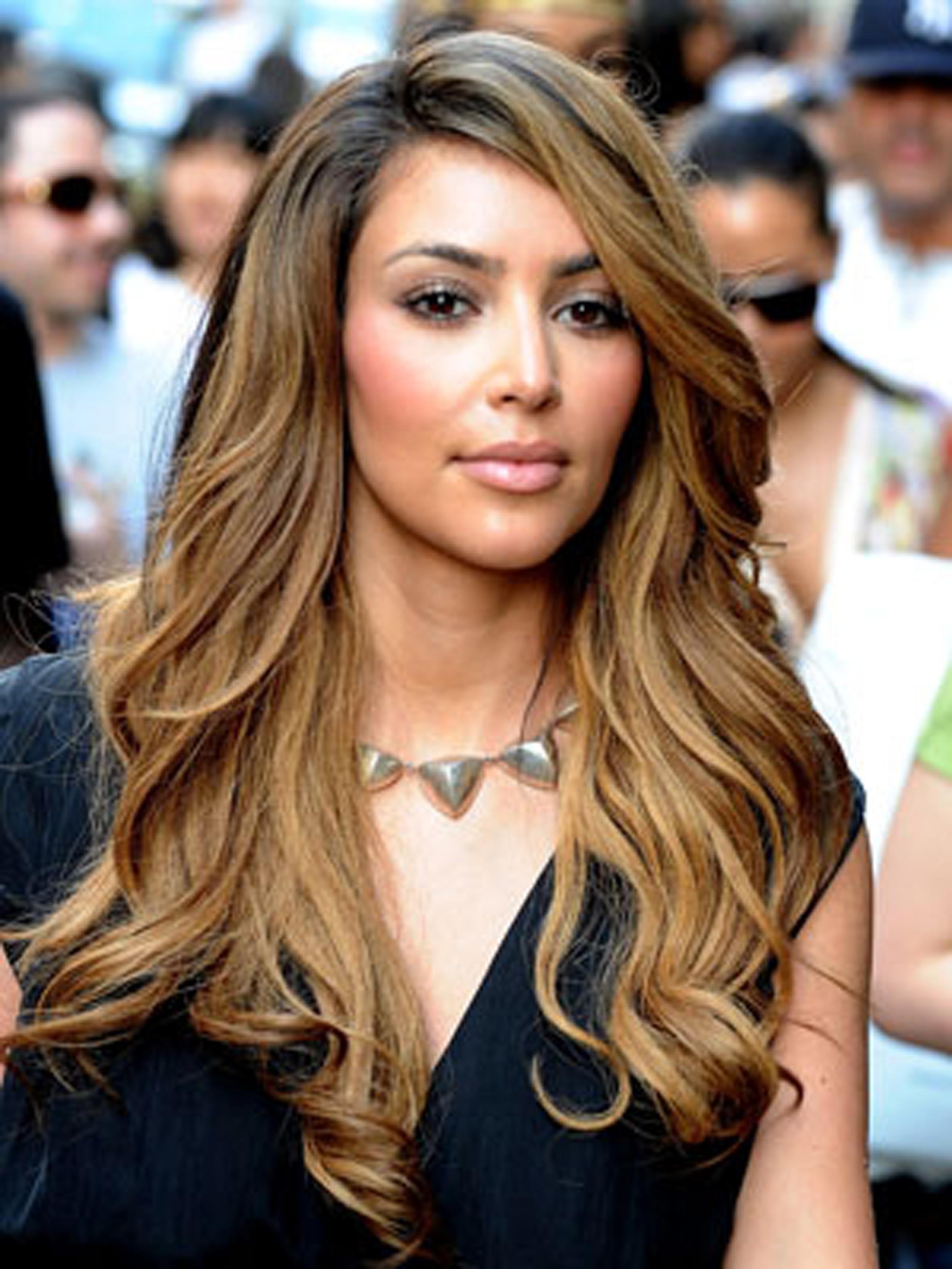 Kim Kardashian Blonde Szukaj W Google Kim Kardashian Hair Dark Blonde Hair Color Kardashian Hair