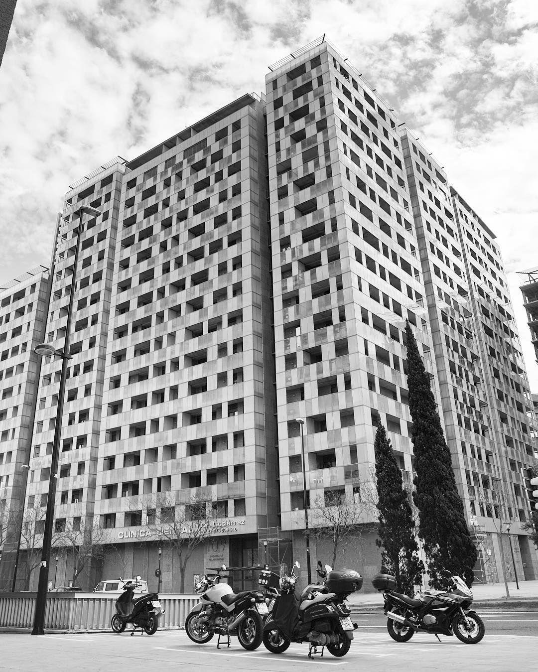 Edificio En Duquesa Villahermosa Con V A Universitas Frente Al  # Muebles Duquesa Villahermosa Zaragoza
