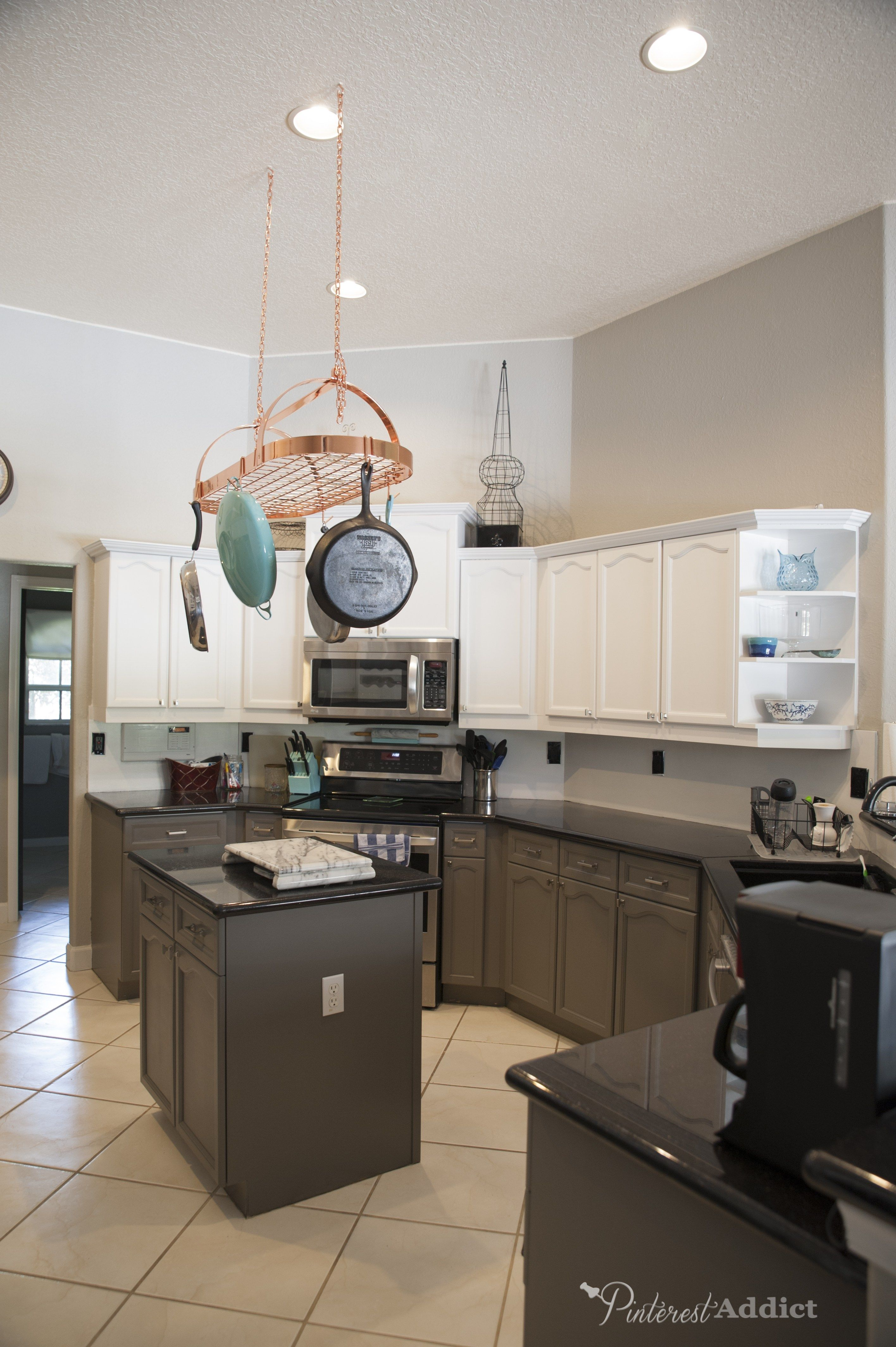 painting the kitchen cabinets building the cottage finally rh pinterest com