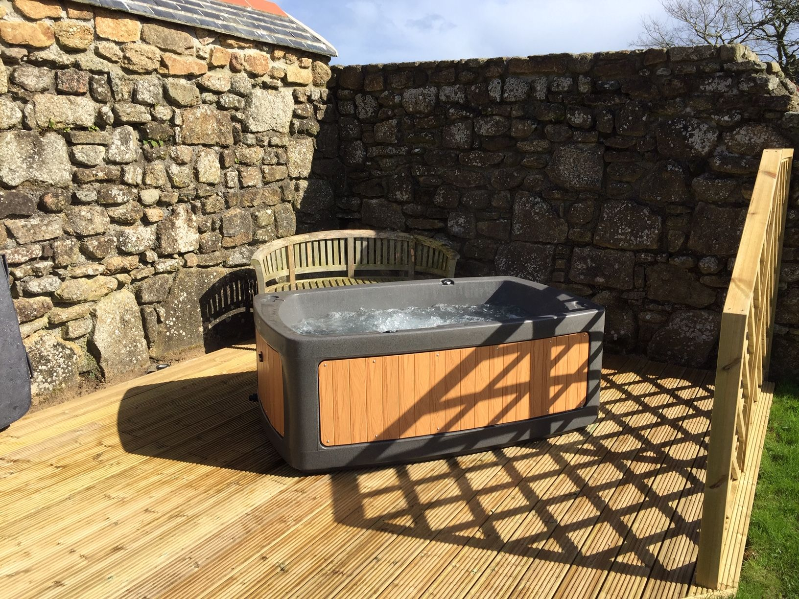 boskenna cottage hot tub at boskenna cottage luxury self catering rh pinterest com