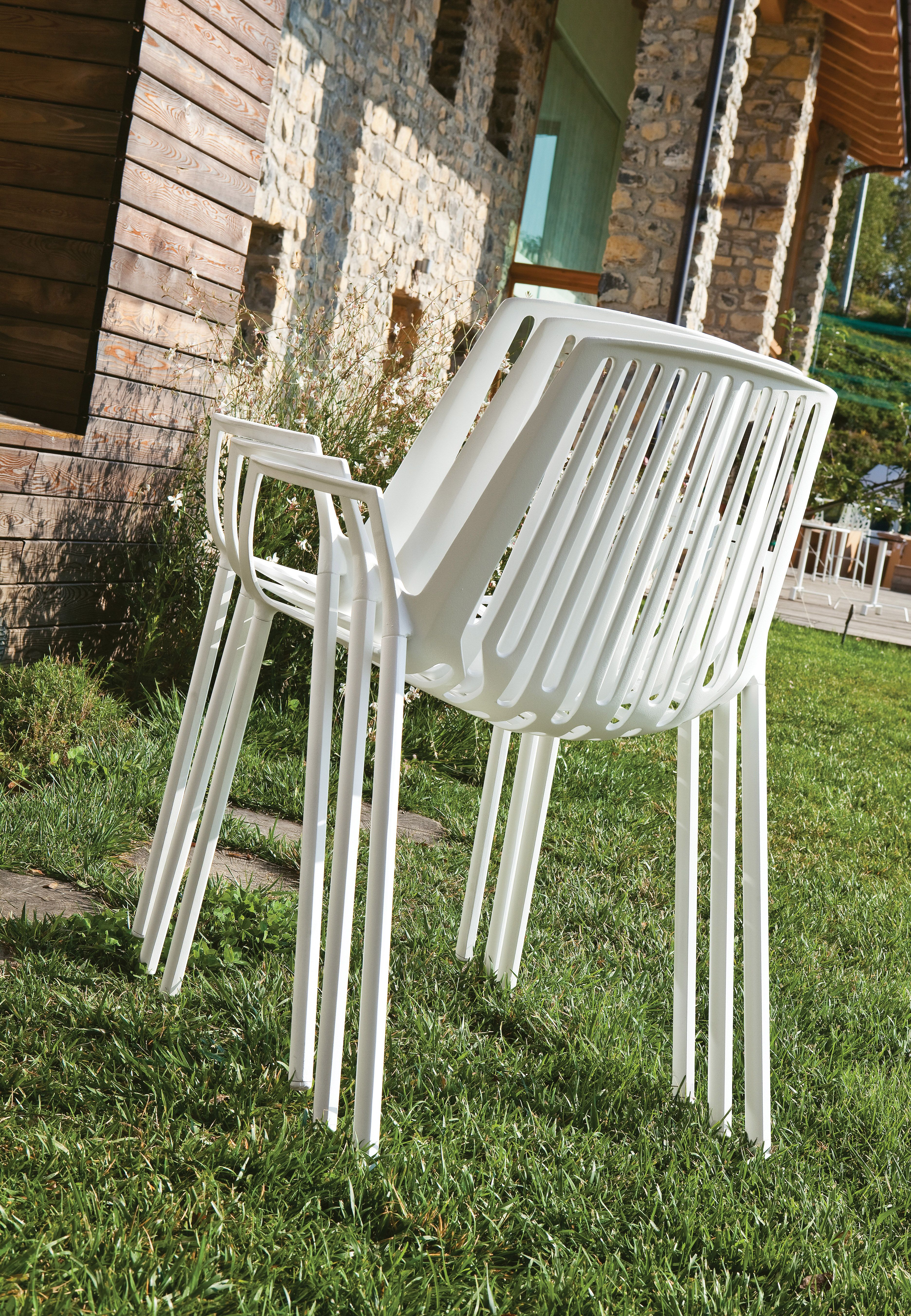rion collection stackable chair in painted aluminium sedia rh pinterest com