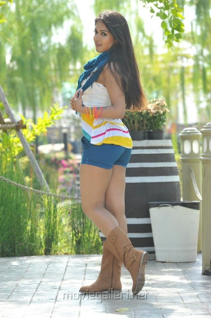 Catherine Tresa Hot Photos In Short Skirt  Catherine -8028