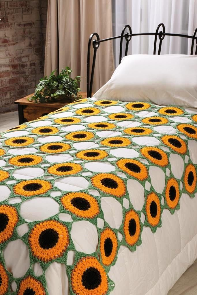 Crochet this Helios Coverlet in Aunt Lydia's Fashion Crochet Size 3! Available in the August 2013 issue of @Rachel Lee World Magazine.   #sunflower #bedspread #flower #crochet #RedHeart