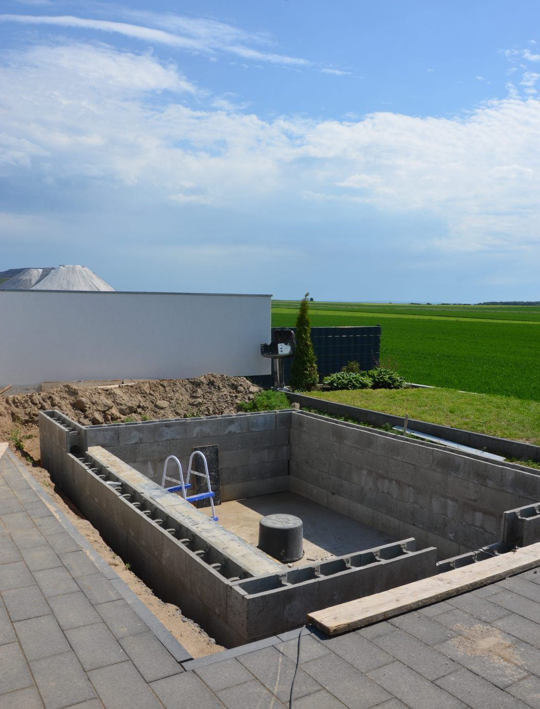 schwimmbecken pool garden pool swimming pools und swimming pool equipment. Black Bedroom Furniture Sets. Home Design Ideas