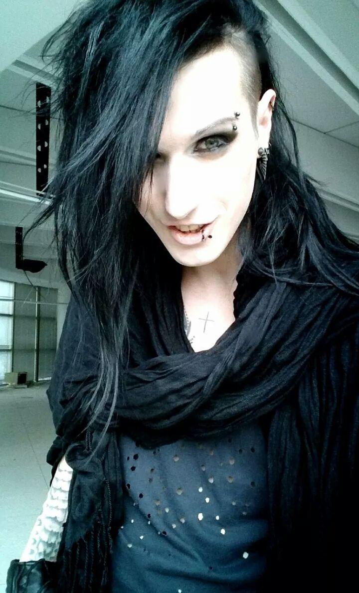 nomad goth androgynous tomboy