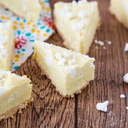 This Lemon Meringue Pie Fudge is ridiculously light and creamy and packed with lemon flavour and meringue pieces atop a shortbread base {recipe}