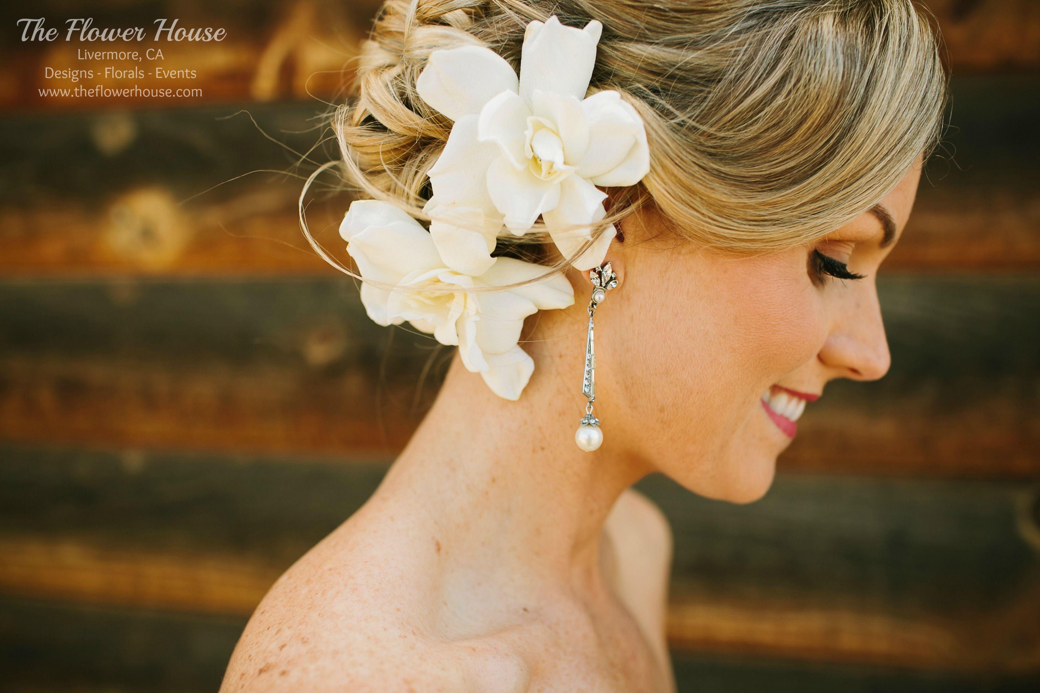 Fragrant gardenias make beautiful hair flowers peach coral fragrant gardenias make beautiful hair flowers izmirmasajfo Gallery