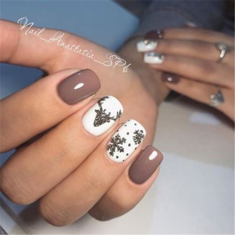 Gorgeous And Cute Christmas Square Nail Designs For The