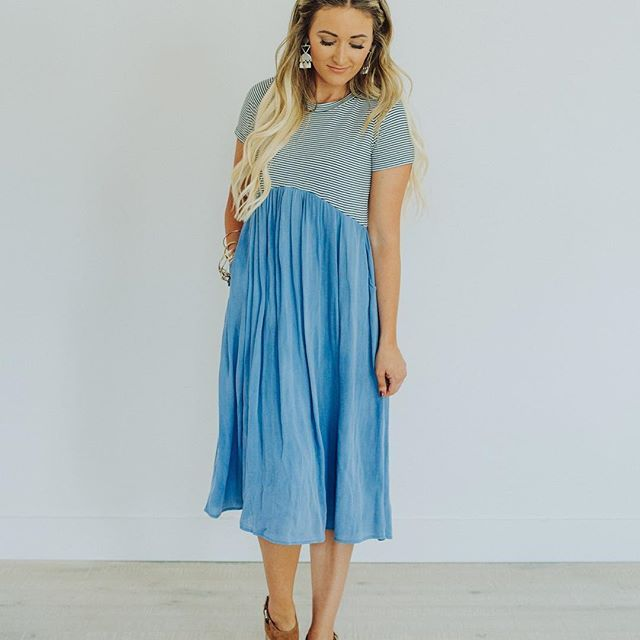 Happy Hump Day! Meet the dress of the summer. We are obsessing over this amazingly comfortable and flattering striped dress. Plus it has pockets!   Only a few left snag it while you can!!  Madeline Striped Dress in Blue