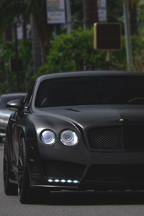 Bentley, ah beautiful car !!
