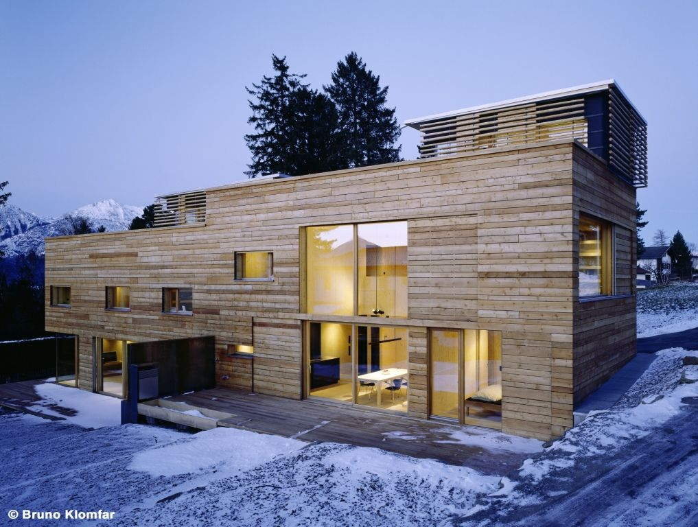 Cross laminated timber panels cross laminated timber for Architektur einfamilienhaus modern