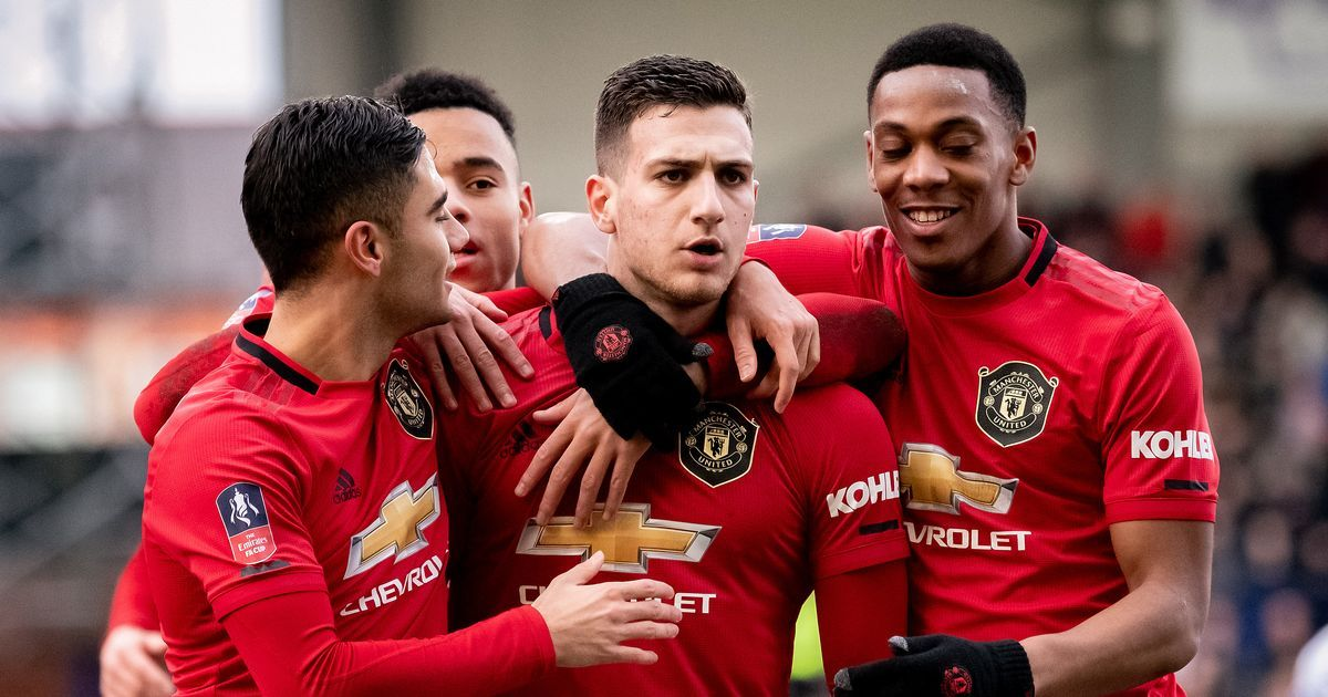 How Diogo Dalot Can Push Into Manchester United Starting Xi In 2020 Manchester United Premier League Manchester United Premier League