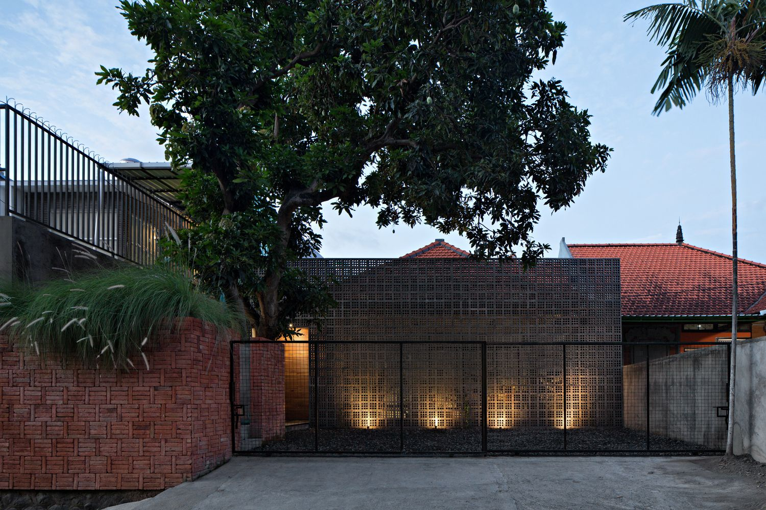 Gallery of Mandanila House Somia Design