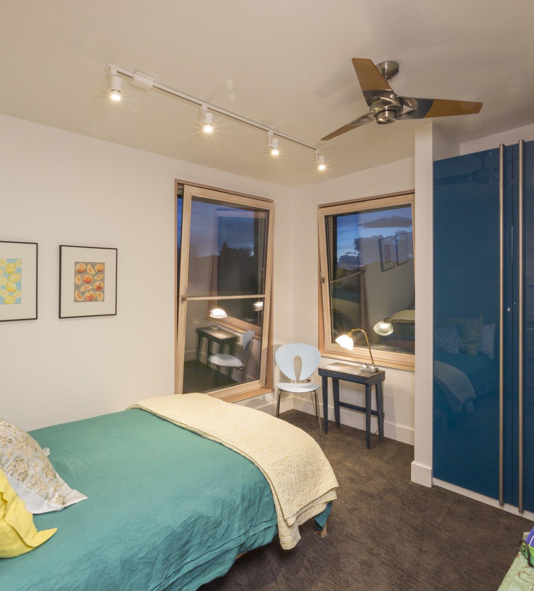 The Butcherknife Residence an artistu0027s modern energy efficient