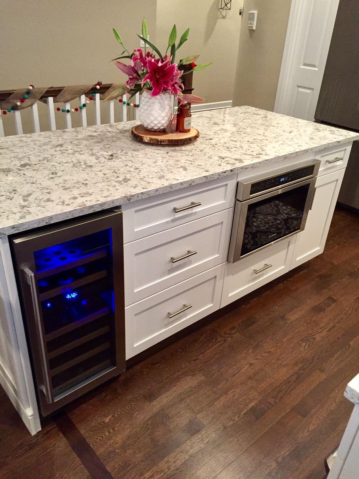 white transitional kitchen kitchen island breakfast bar rh pinterest ie