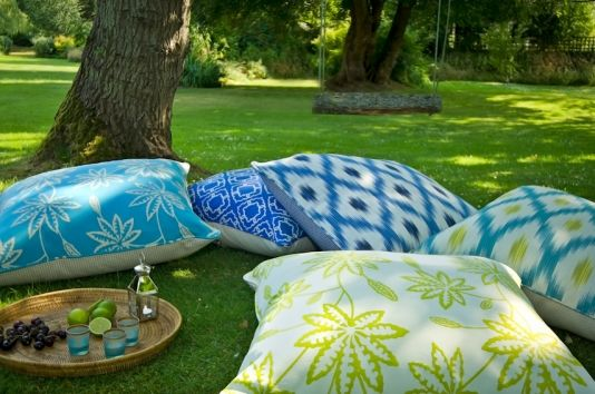 Charming Large Outdoor Cushions   Fabric Is Stain And Mildew Resistant.