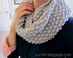 Easy beginner knitting pattern for a super warm seed stitch infinity scarf. Free pattern @ http://purllin.blogspot.com/2012/12/december-seed-stitch-infinity-circle.html