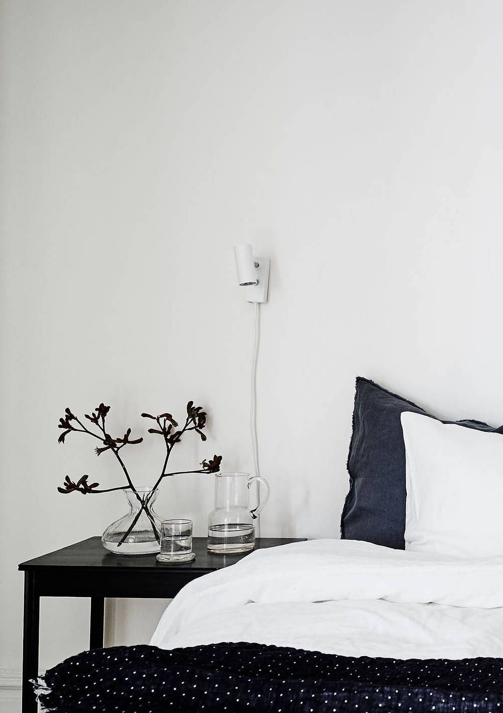 Monochrome bedroom White and bright home