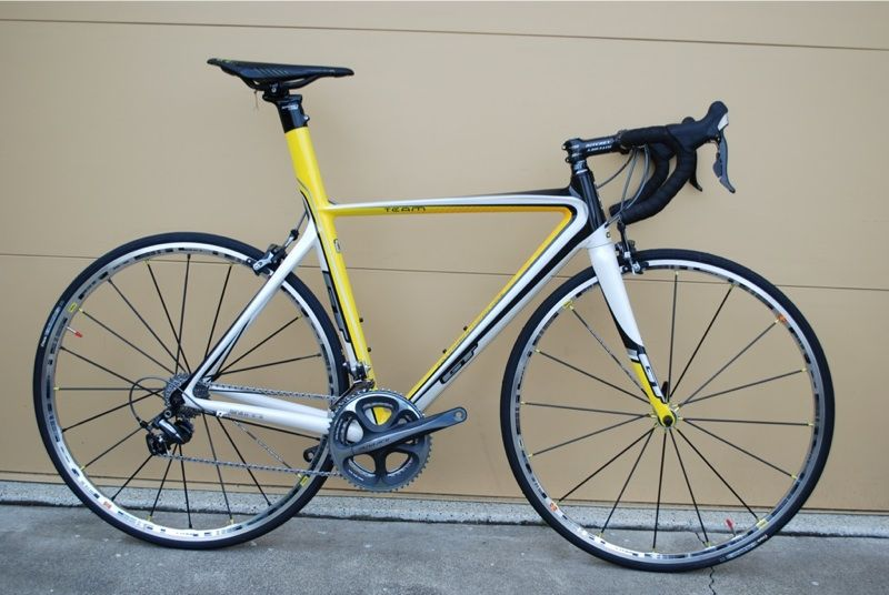 road bikes  New 2009 GT GTR Carbon road bikes for sale Update