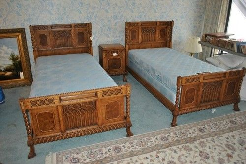 1930s romweber eight 8 piece oak twin bedroom set boys room pinterest twin bedroom sets. Black Bedroom Furniture Sets. Home Design Ideas