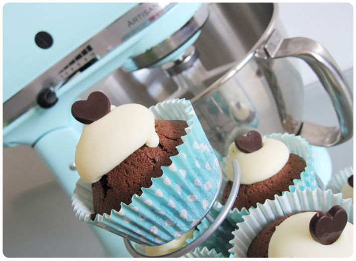 Cupcakes de dos chocolates y mi Kitchenaid *_* Two chocolat cupcakes and my Kitchenaid