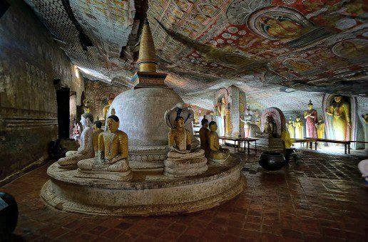 Dambulla Sri Lanka http://noobvoyage.fr/aventures/dambulla-cave-temple-sri-lanka/