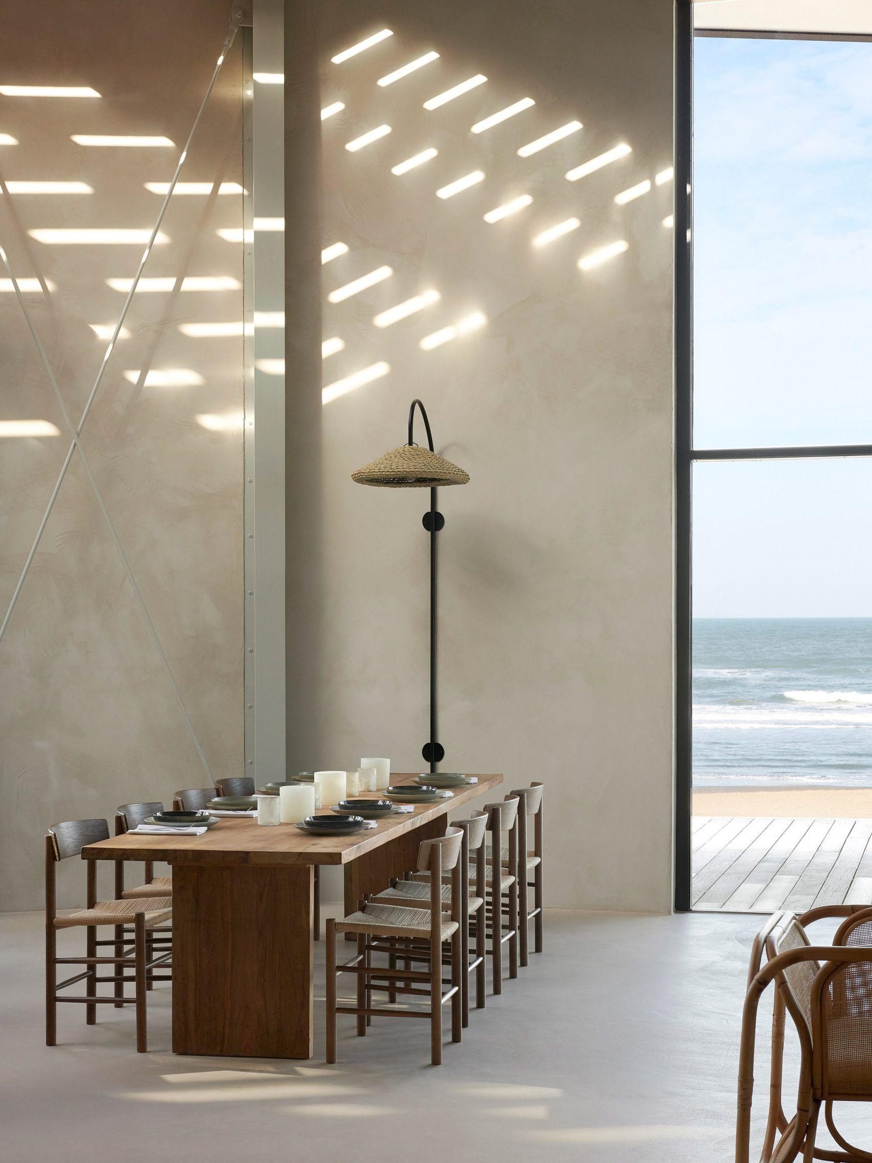 Natural materials feature throughout beach restaurant De Republiek