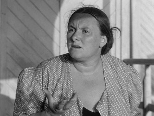 Ave Ninchi nel 1950 in Domenica d'agosto (Wikipedia)