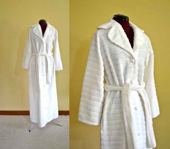 1960s Vintage Sears At Home Wear Off White Furry Robe size Medium bust 40