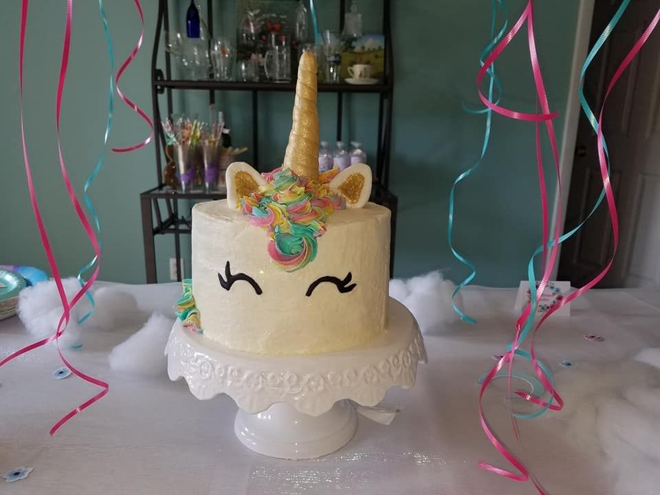 A Unicorn Cake For A 2 Year Old Girls Birthday Party With Images